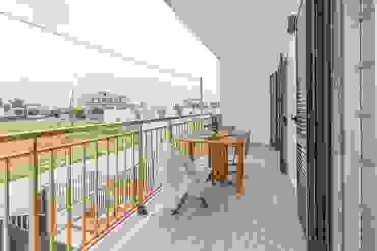 Anna Leone Architetto Home Stager Mediterranean style balcony, veranda & terrace