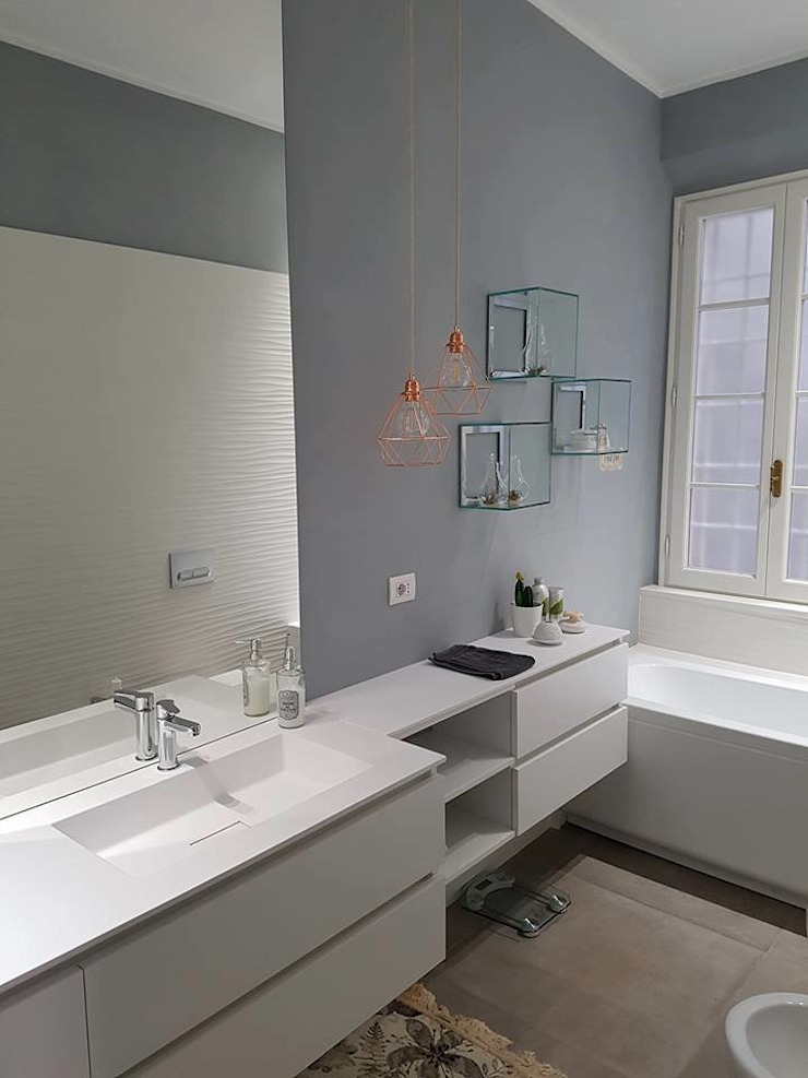 new life HOME Modern style bathrooms