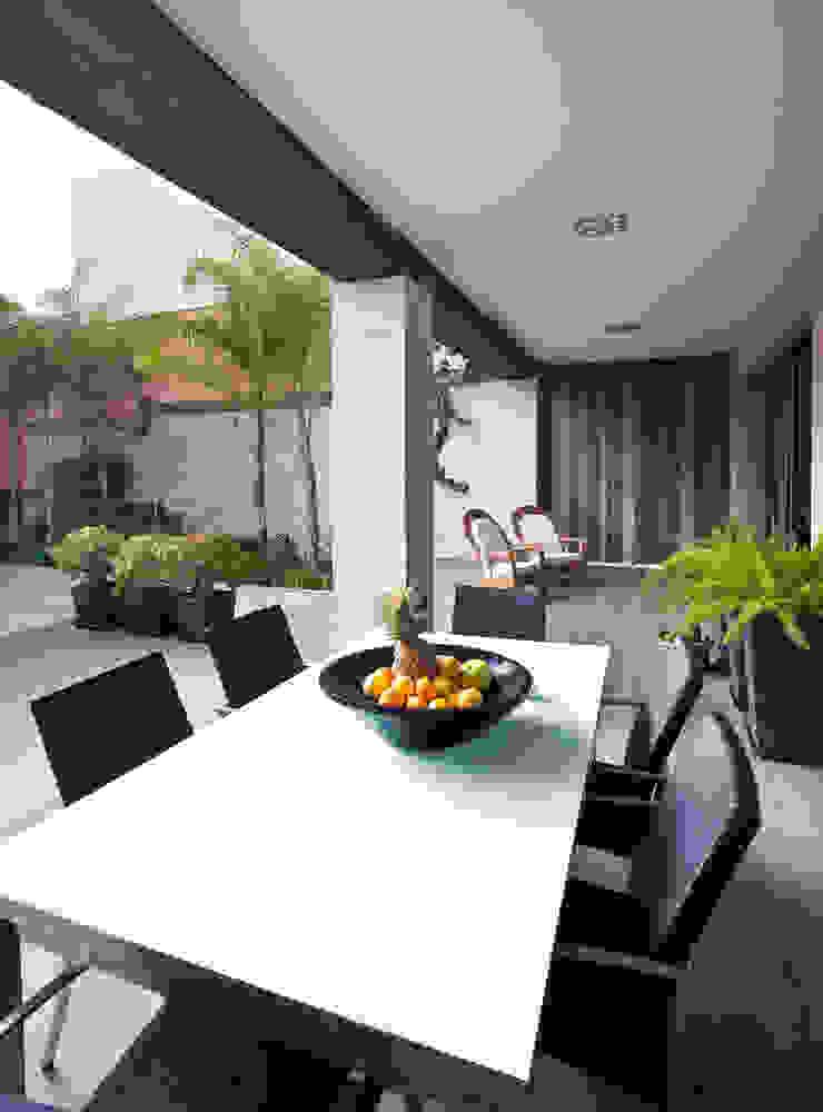 Idearte Marta Montoya Balkon, Beranda & Teras Modern