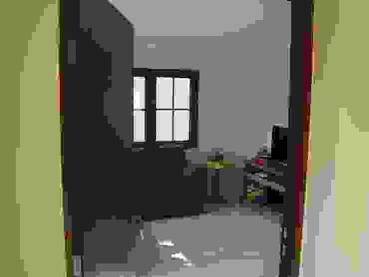 Casa estilo Chileno por DAMRA Livings de estilo mediterráneo de DIEGO ALARCÓN & MANUEL RUBIO ARQUITECTOS LIMITADA Mediterráneo