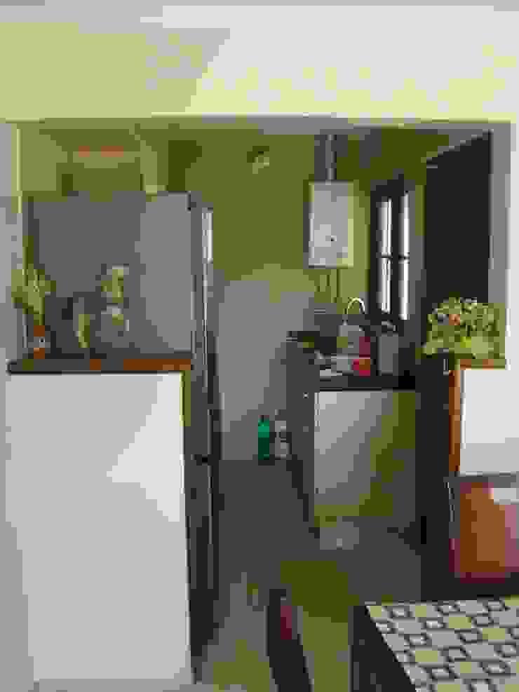 Casa estilo Chileno por DAMRA de DIEGO ALARCÓN & MANUEL RUBIO ARQUITECTOS LIMITADA Mediterráneo