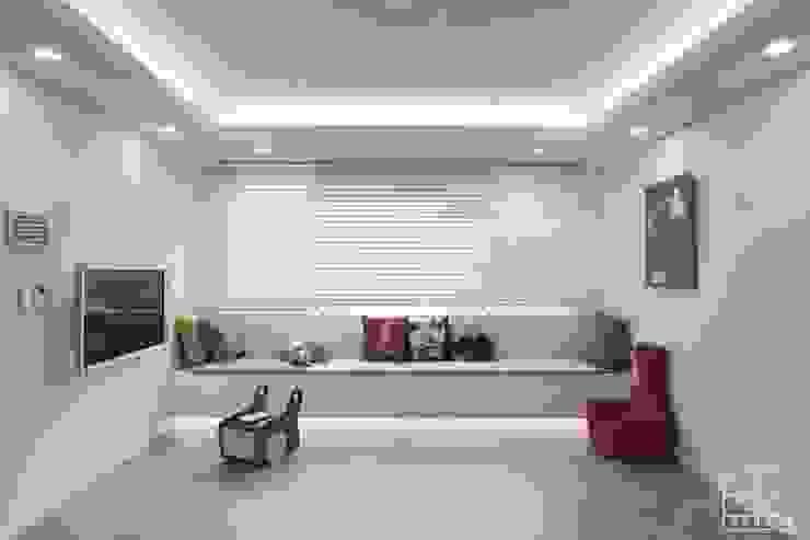 Salon minimaliste par 홍예디자인 Minimaliste