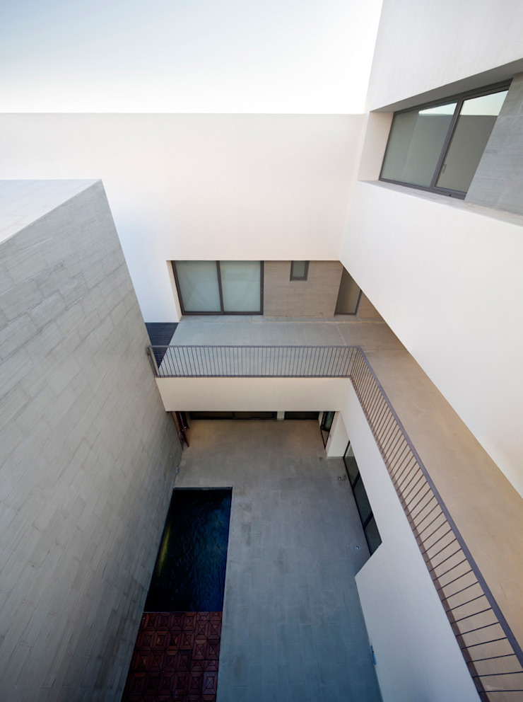 AGi architects arquitectos y diseñadores en Madrid Terrace Concrete White