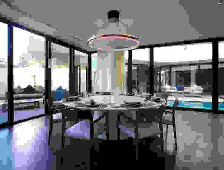 Comedores minimalistas de AGi architects arquitectos y diseñadores en Madrid Minimalista Hormigón