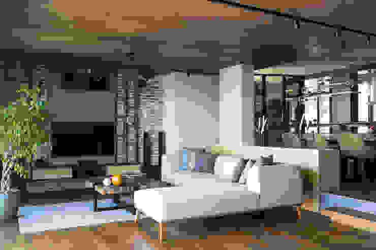 Moda Evi Modern Oturma Odası Slash Architects Modern