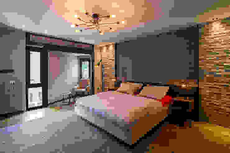 Moda Evi Slash Architects Modern Yatak Odası