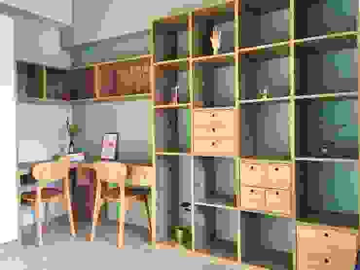 書房中的綠視野 Scandinavian style study/office by 圓方空間設計 Scandinavian Plywood