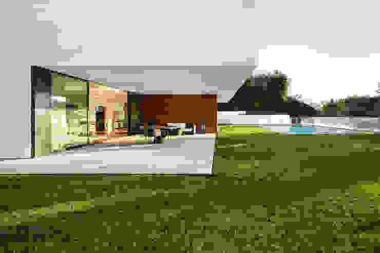 Garden by João Boullosa, Modern