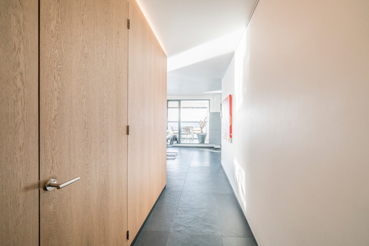 Modern Corridor, Hallway and Staircase by Masters of Interior Design Modern
