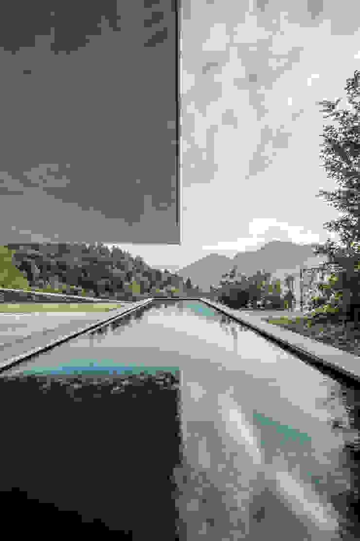 raro Infinity pool
