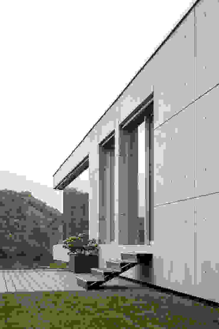 raro Modern houses Concrete Grey