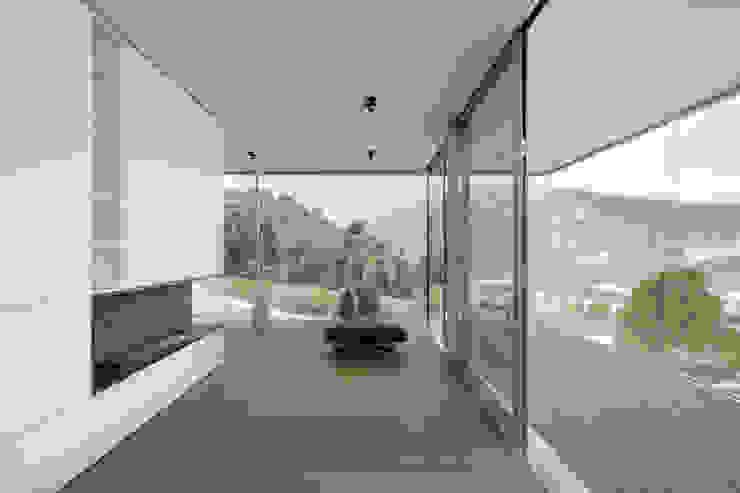 raro Modern living room