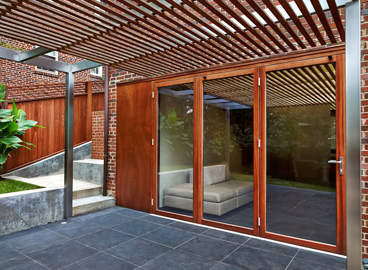 모던스타일 발코니, 베란다 & 테라스 by KUBE Architecture 모던