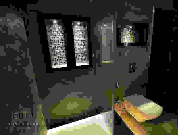 جزء من مشروع: حمام غرفة نوم رئيسية بأحد مواقع الشركة بالقاهرة الجديدة، مصر من iBuild for Architecture & Decoration اي بيلد للعمارة و الديكور