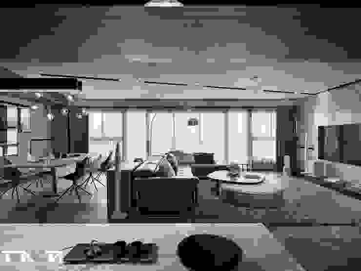 線條 ╳ 藝術 现代客厅設計點子、靈感 & 圖片 根據 騰龘空間設計有限公司 現代風 大理石