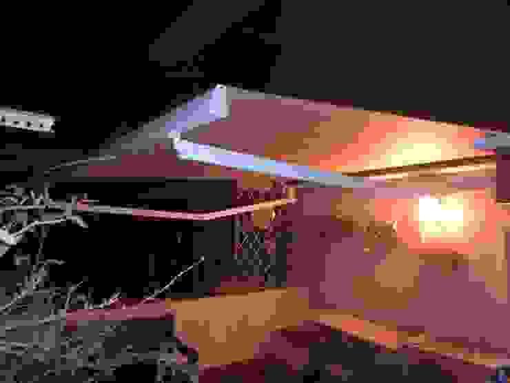 TOLDOS CLOT, S.L. Balconies, verandas & terracesAccessories & decoration