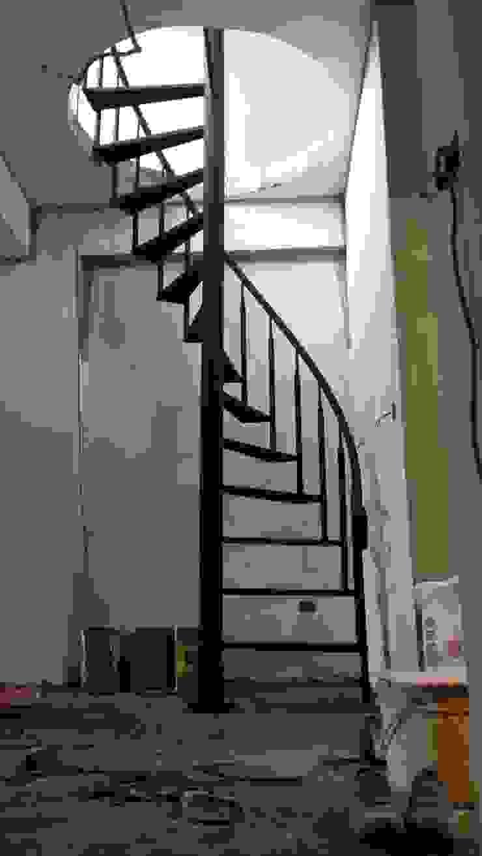 各式旋轉樓梯 根據 茂林樓梯扶手地板工程團隊 工業風