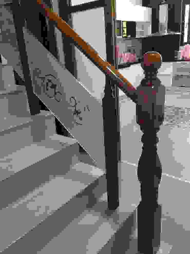 鑲玻璃扶手 根據 茂林樓梯扶手地板工程團隊 日式風、東方風