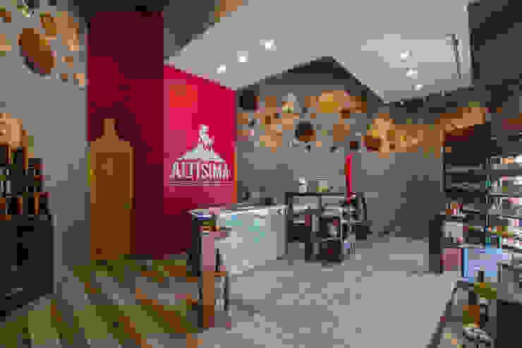 by DIN Interiorismo Modern