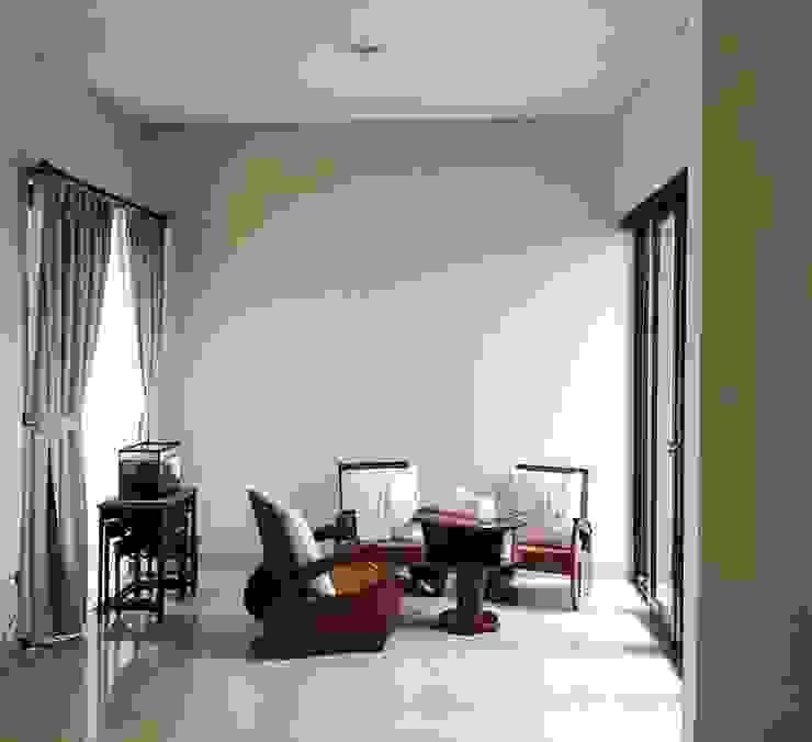 Ruang Tamu Ruang Keluarga Gaya Eklektik Oleh Vaastu Arsitektur Studio Eklektik