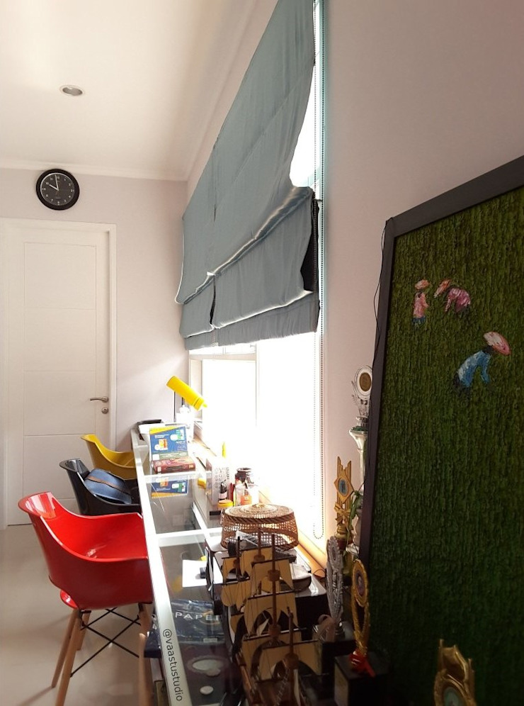 Ruang Belajar Ruang Studi/Kantor Gaya Skandinavia Oleh Vaastu Arsitektur Studio Skandinavia