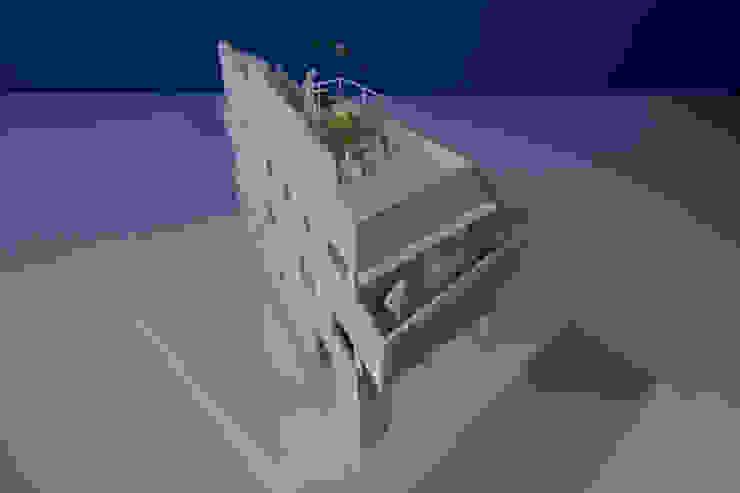 모던스타일 주택 by アトリエ スピノザ 모던