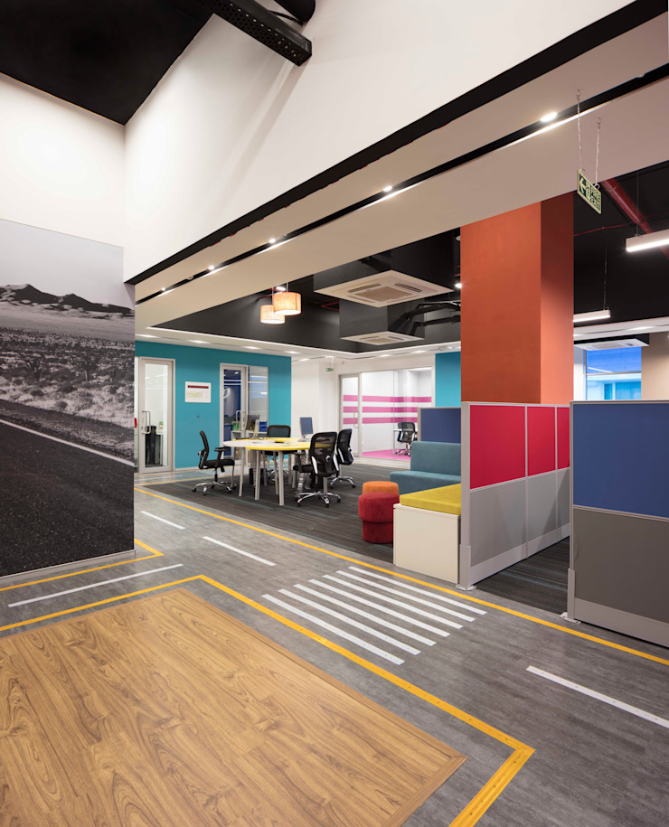Apex Project Solutions Pvt. Ltd. Moderne Ladenflächen Holzwerkstoff Mehrfarbig