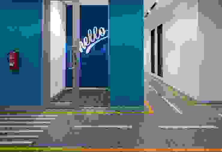 Apex Project Solutions Pvt. Ltd. Moderne Ladenflächen Aluminium/Zink Blau