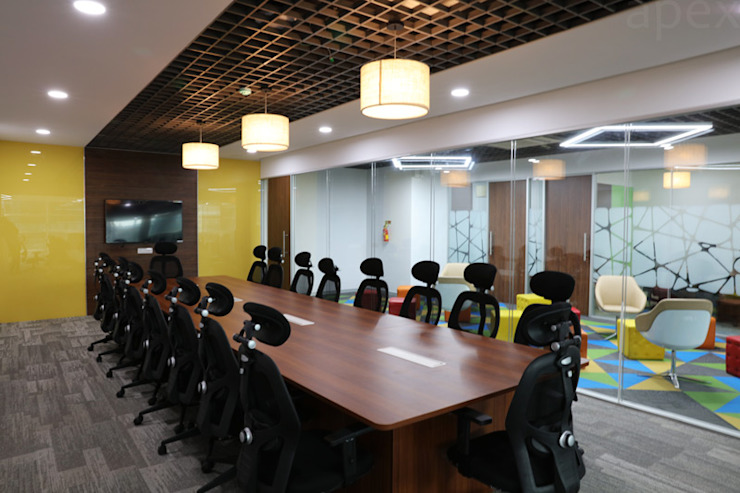 Conference room by Apex Project Solutions Pvt. Ltd. Modern Engineered Wood Transparent