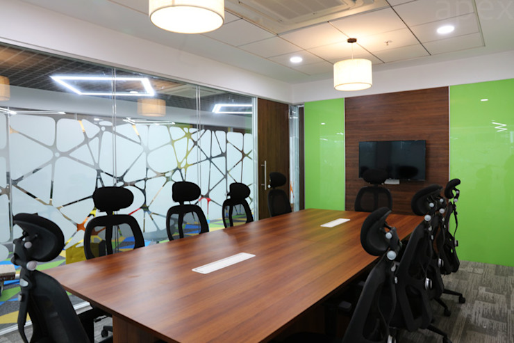 Meeting room by Apex Project Solutions Pvt. Ltd. Modern Engineered Wood Transparent