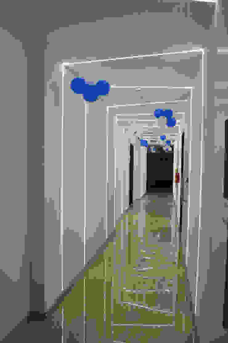 Apex Project Solutions Pvt. Ltd. Moderne Ladenflächen Schiefer Weiß