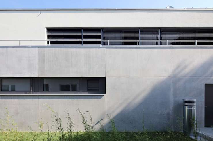 Architekturbüro zwo P Casas multifamiliares Concreto Gris