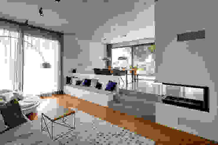 Wohnzimmer Minimalistische Wohnzimmer von Architekturbüro zwo P Minimalistisch Beton