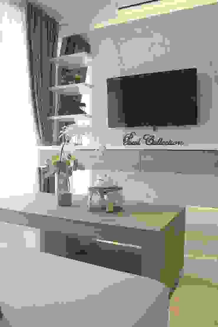 Apartemen Landmark II – Tipe 2 Bedroom (Design I) Ruang Keluarga Minimalis Oleh POWL Studio Minimalis