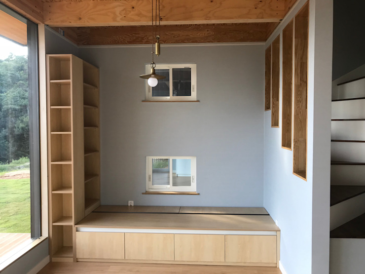 중목구조 주택,협소주택,안성 전원 주택: 집으로의  거실,