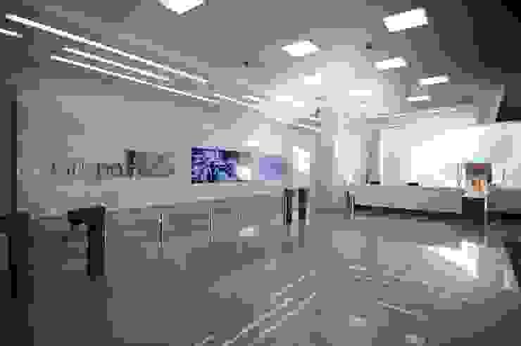 Retrofit de Empresa Referência na Área de Telecomunicações Edifícios comerciais modernos por BG arquitetura   Projetos Comerciais Moderno