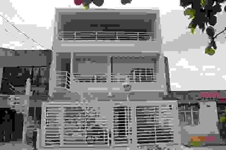 من IngeniARQ Arquitectura + Ingeniería حداثي