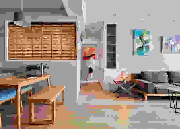 浮 斯堪的納維亞風格的走廊,走廊和樓梯 根據 耀昀創意設計有限公司/Alfonso Ideas 北歐風