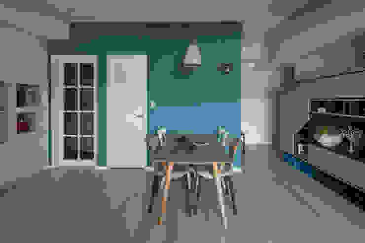 角 Scandinavian style corridor, hallway& stairs by 耀昀創意設計有限公司/Alfonso Ideas Scandinavian