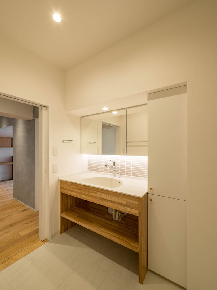 Eclectic style bathroom by 株式会社エキップ Eclectic Wood Wood effect