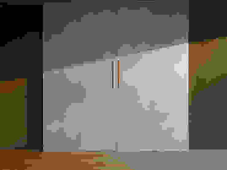 株式会社エキップ Salas de entretenimiento de estilo moderno Blanco