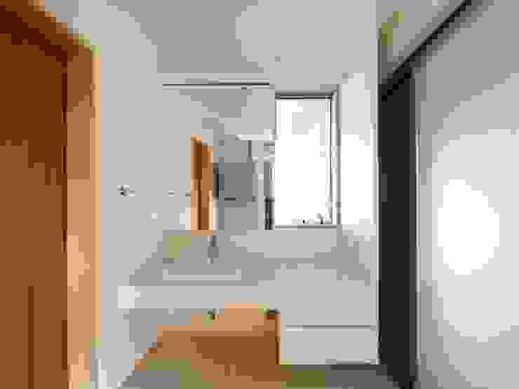 株式会社エキップ ห้องน้ำ White