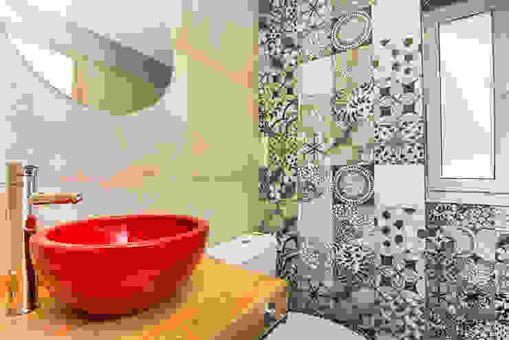 Casa 390 Deportivo por JOM HOUSES: Baños de estilo  por JOM HOUSES,