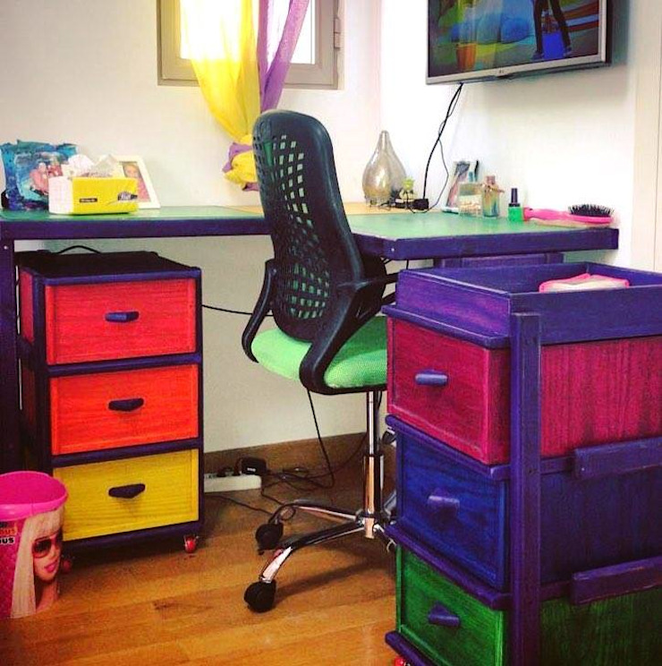 Rainbow Toddler house bedroom: حديث  تنفيذ Solo DesiGn, حداثي