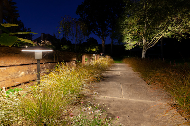 Surrey Garden Project Future Light Design Minimalist style garden