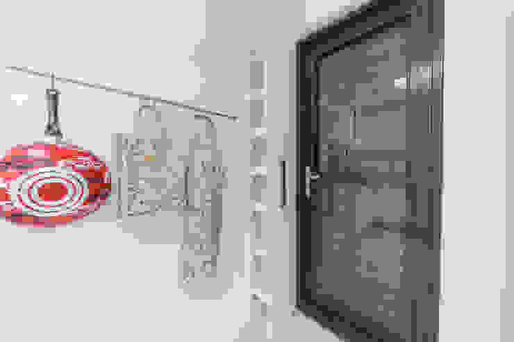 隱藏式儲物收納櫃:  國家  by 藏私系統傢俱, 鄉村風