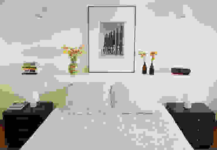 Minimalist bedroom by Qiarq . arquitectura+design Minimalist