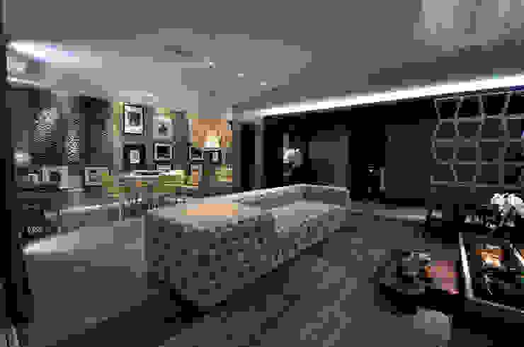Peças de design assinado BG arquitetura | Projetos Comerciais Salas de estar modernas