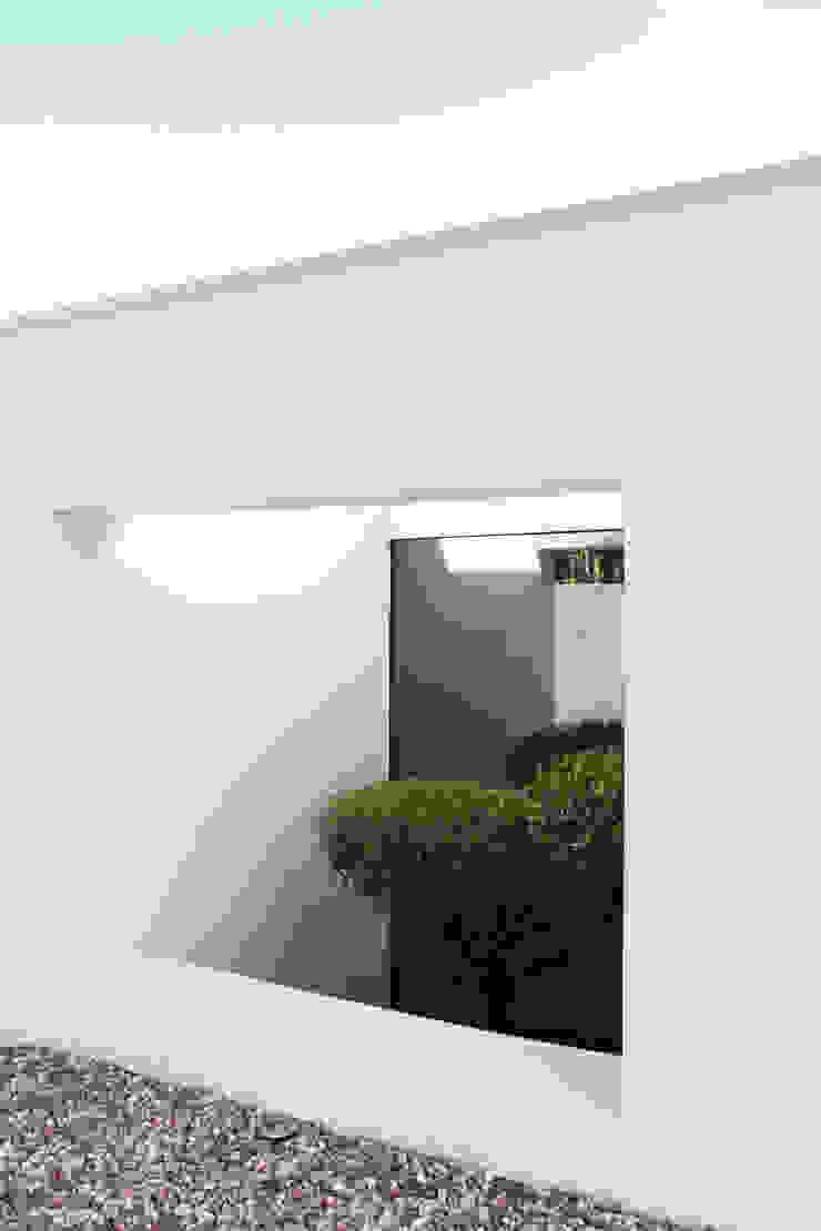 Qiarq . arquitectura+design Casas unifamilares Hormigón Blanco