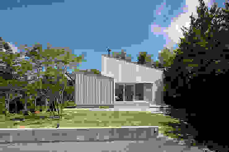 八ヶ岳の離れ: 稲山貴則 建築設計事務所が手掛けた家です。